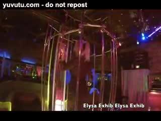 Danse - Strip tease in a swinger club