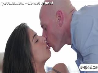 Gros seins - Amazing big boobs latina babe Megan Salinas gett...