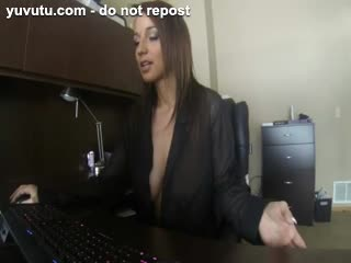 Female Masturbation - Hottie masturbating in her office