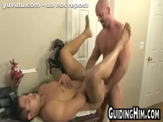 Travesti - Guys at work decide to fuck