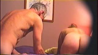Rondes/potelées - a very hot video of older couple having hot sex