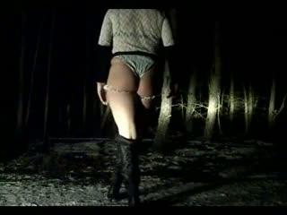 Flashing/Public - Nachts im Wald