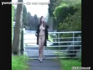 Anulingus - Sexy brunette amateur babes public nudity