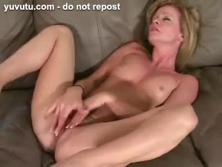 Ejaculation féminin - squirting pussy