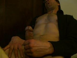 - stroking male scandabritt