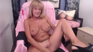 Mature - Big tits blonde cougar on webcam