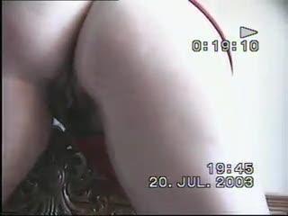 Hand Job - mia moglie me lo succhia part 3