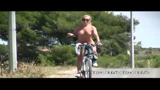 Flashing/Public - Naked in public and dirty biking