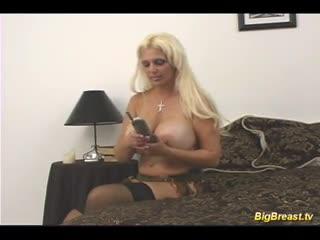 Spagnola - Big breasts babe gets fucked