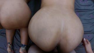 Threesome - DOS CULOS PARA COGER