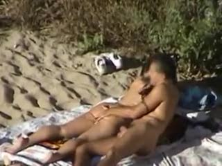 Voyeur - Horny in the dunes part 2