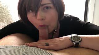 Ejaculation - Elle adore sucer et se prendre le sperme sur le ...