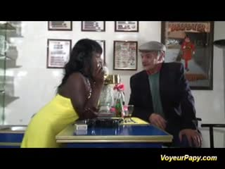 Mature - Papy is banging a black beauty
