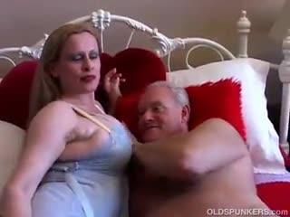 Mature - Beautiful big tits MILF loves to fuck